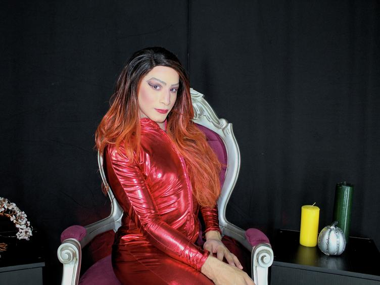 Treicy dom girl with big tool , ready for be our time with the best pleasure