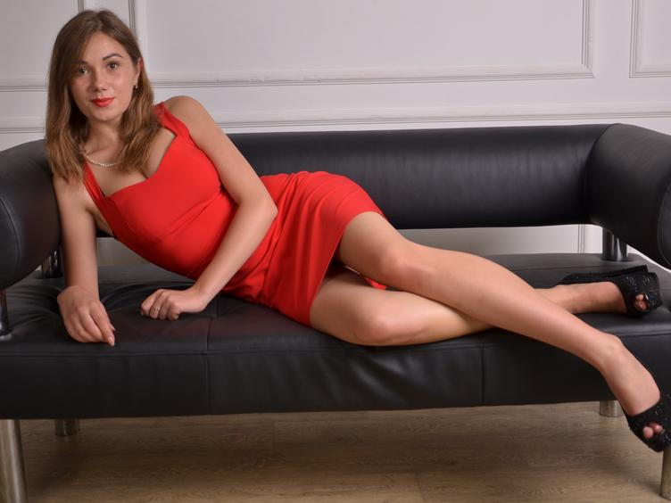 I want: Sex, crazy experiences and men - in that order! Come to me now - I`m waiting!
